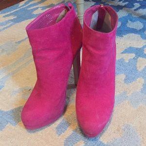 Hot pink Steve Madden booties size 6.5.